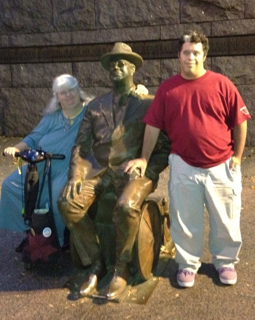 Susan and Teddy Fitzmaurice near FDR statue